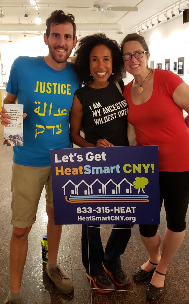 heat smart volunteers at an information fair